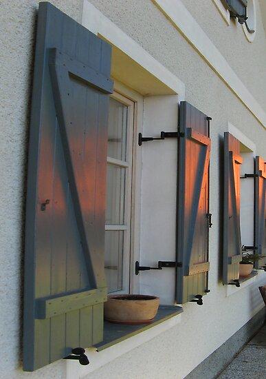 SUNSET HOUSE WINDOWS by SofiaYoushi