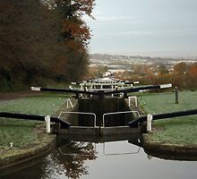 Caen Hill Locks, Devizes, England by Graham Ettridge