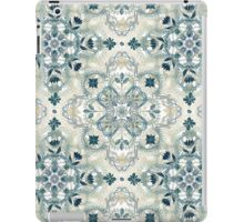 Forest Green & Neutral Taupe Detailed Lace Doodle Pattern iPad Case/Skin