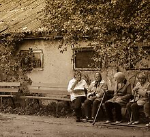 Old ladies by saturnreturnz3
