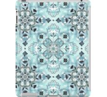 Soft Mint & Teal Detailed Lace Doodle Pattern iPad Case/Skin