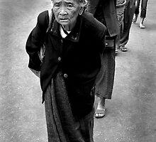 Burmese Woman by chrissy53