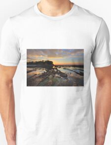 Magnificent colours and reflections at Plantation Point sunset T-Shirt