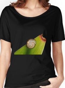 Snail on Snake plant Women's Relaxed Fit T-Shirt