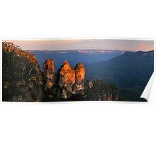 Sisters - Jamison Valley , Blue Mountains Series, NSW Australia Poster