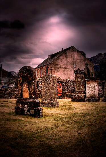 Arrochar Graves by Linda  Morrison