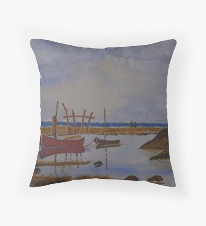Tranquil cove Throw Pillow