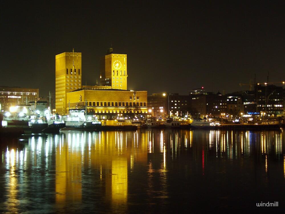 Oslo by night by windmill