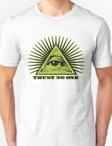 Trust No One (vintage distressed) T-Shirt
