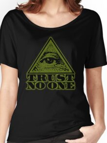 TRUST NO ONE (vintage distressed look) Women's Relaxed Fit T-Shirt