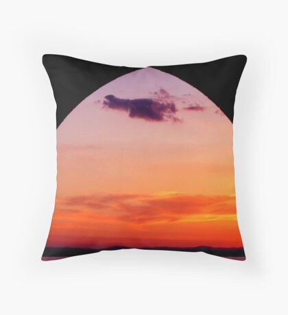 Lago di Trasimeno Throw Pillow