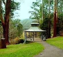 Rotunda II by Tom Newman