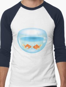 Gold fish swimming in the water in a fishbowl Men's Baseball ¾ T-Shirt