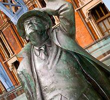 Sir John Betjemen statue  by Rob  Ford
