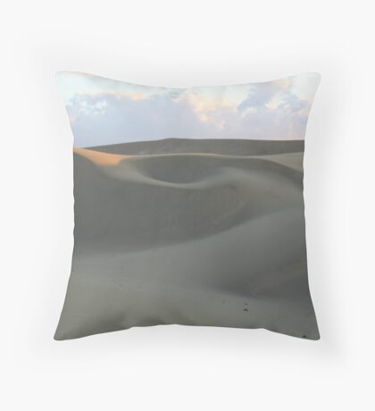 Movement of the Dune Throw Pillow