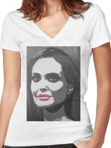 Portrait  of a tough woman (black and white Women's Fitted V-Neck T-Shirt