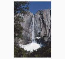 Yosemite upper falls, Yosemite national Park, California USA Kids Tee
