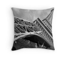 No. 2, La Tour Eiffel de Vegas Throw Pillow