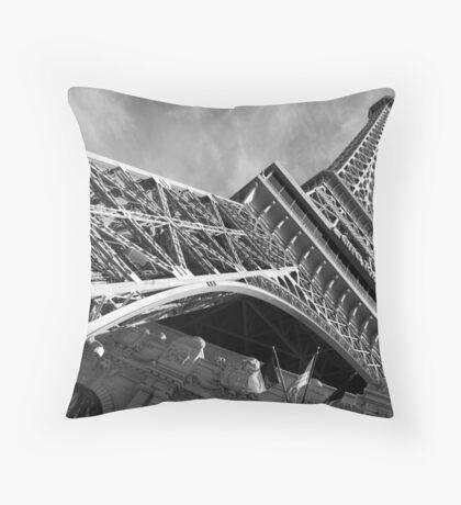 No. 2, La Tour Eiffel de Vegas Throw Pillow