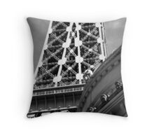 No. 4, La Tour Eiffel de Vegas Throw Pillow