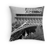 No. 6, La Tour Eiffel de Vegas Throw Pillow