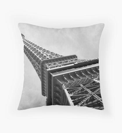 No. 8, La Tour Eiffel de Vegas Throw Pillow