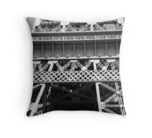 No. 10, La Tour Eiffel de Vegas Throw Pillow