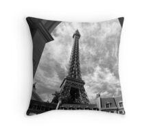 No. 16, La Tour Eiffel de Vegas Throw Pillow