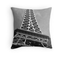 No. 17, La Tour Eiffel de Vegas Throw Pillow