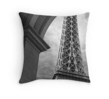 No. 27, La Tour Eiffel de Vegas Throw Pillow