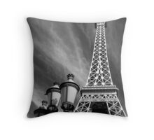 No. 28, La Tour Eiffel de Vegas Throw Pillow