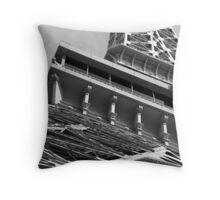 No. 31, La Tour Eiffel de Vegas Throw Pillow