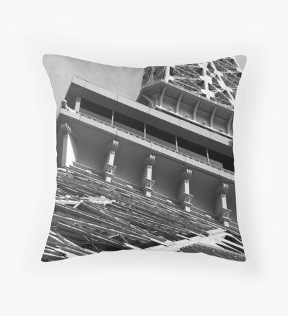 No. 31, La Tour Eiffel de Vegas Throw Pillow