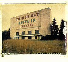 Twin Hi-way Drive In by Steven Godfrey