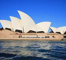 Opera House by sashawood