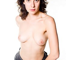 Glamour model Jenny in topless in jeans by leoklein