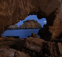 Ocean Peephole by KeepsakesPhotography Michael Rowley