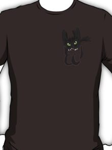 Toothless in your pocket  T-Shirt