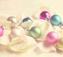 Add some color to your Christmas by Nieves Montano