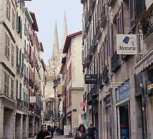 a street in Bayonne by zoespeak