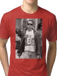 GOSLING VS CULKIN #3 Tri-blend T-Shirt