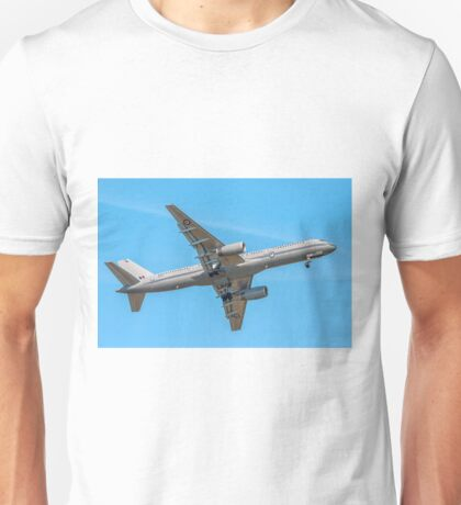 Boeing 757-2K2 NZ7572 of 40 Sqn RNZAF Unisex T-Shirt