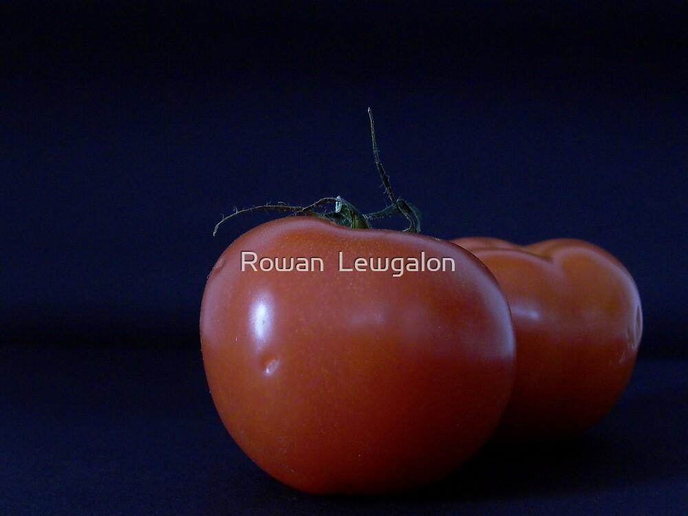 Tomatoes by Rowan  Lewgalon