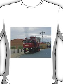 Elizabeth, Steam Bus at Whitby T-Shirt