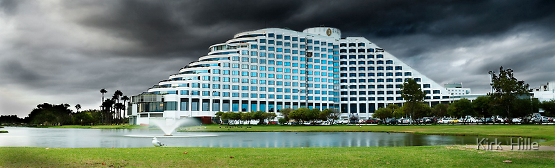 Burswood Casino by Kirk  Hille