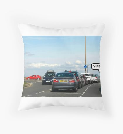 Mario-Kart Traffic Throw Pillow