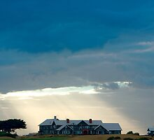 Welcome home. Barwon Heads Golf Club, Australia by Andy Berry