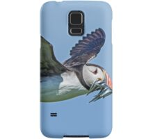 Puffin in flight with sandeels Samsung Galaxy Case/Skin