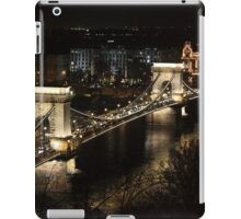 Chain bridge of Budapest at night iPad Case/Skin
