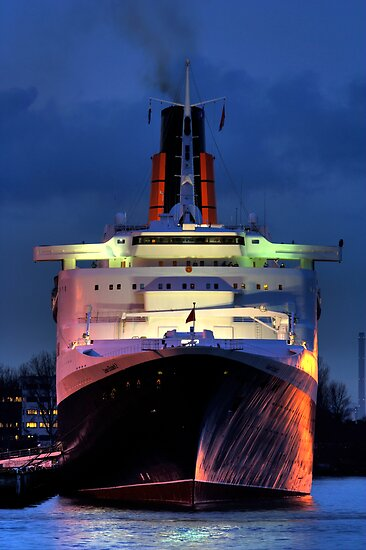 ms Queen Elizabeth 2 by Martijn Budding